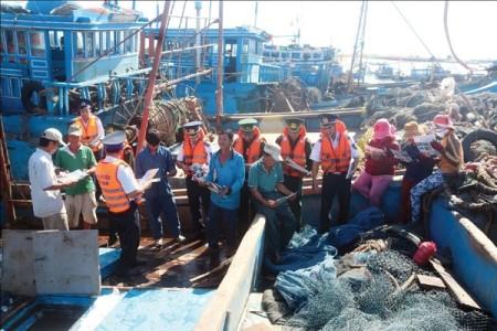 Seepolizei begleitet Fischer für wirksame Volksaufklärung - ảnh 1