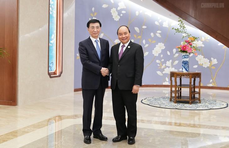 Premierminister Nguyen Xuan Phuc trifft den Sekretär des Sekretariats der Kommunistischen Partei Chinas - ảnh 1