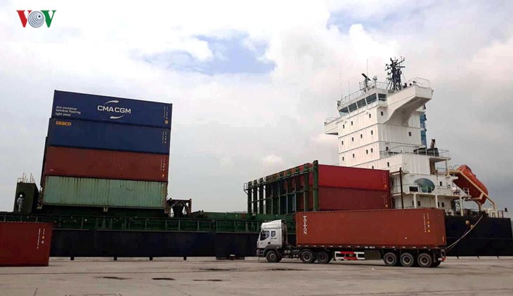Internationales Containerschiff in Thanh Hoa - ảnh 1