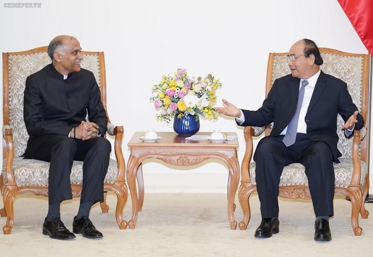 Premierminister Nguyen Xuan Phuc empfängt den indischen Botschafter - ảnh 1
