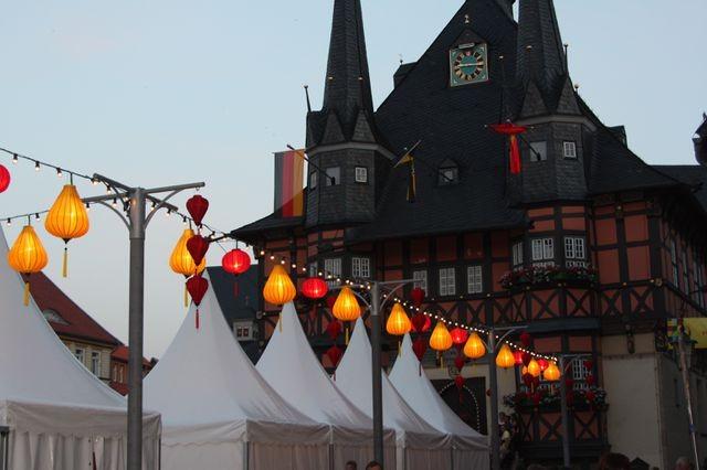 Hoi An's Laternen-Fest wird im deutschen Wernigerode vorgestellt - ảnh 1