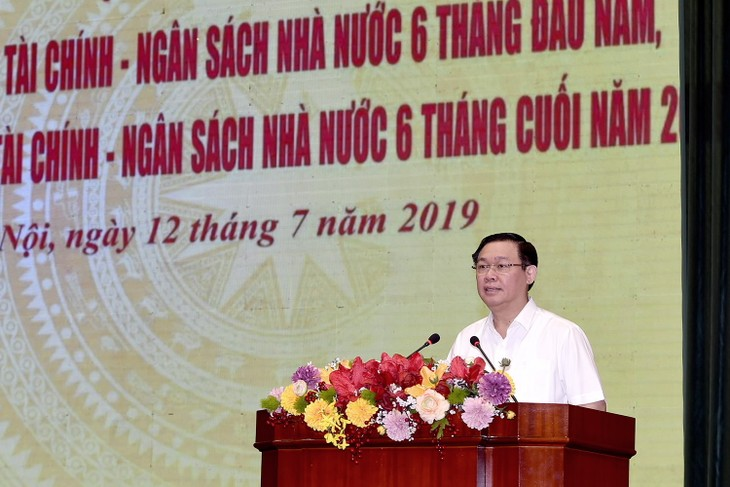 Vizeprermierminister Vuong Dinh Hue nimmt an der Online-Konferenz der Finanzbranche teil - ảnh 1