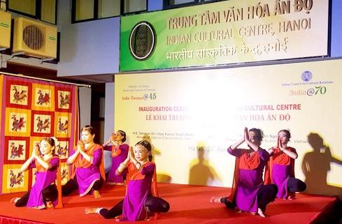 Indian Cultural Center debuts in Hanoi - ảnh 1