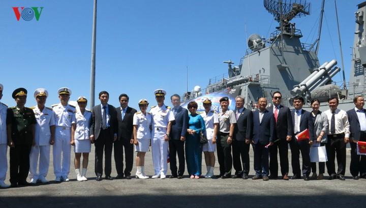 RoK naval ships visit Da Nang - ảnh 1