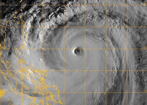 Vietnam on high alert as typhoon Mangkhut approaches - ảnh 1