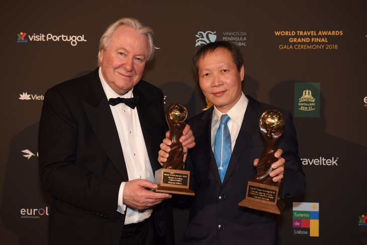 Vietnam Airlines wins two World Travel Awards - ảnh 1