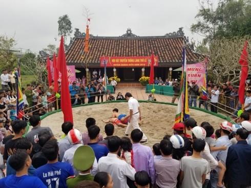 Traditional spring festivals kick off across Vietnam - ảnh 5