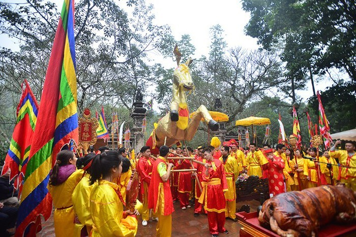 Traditional spring festivals kick off across Vietnam - ảnh 4