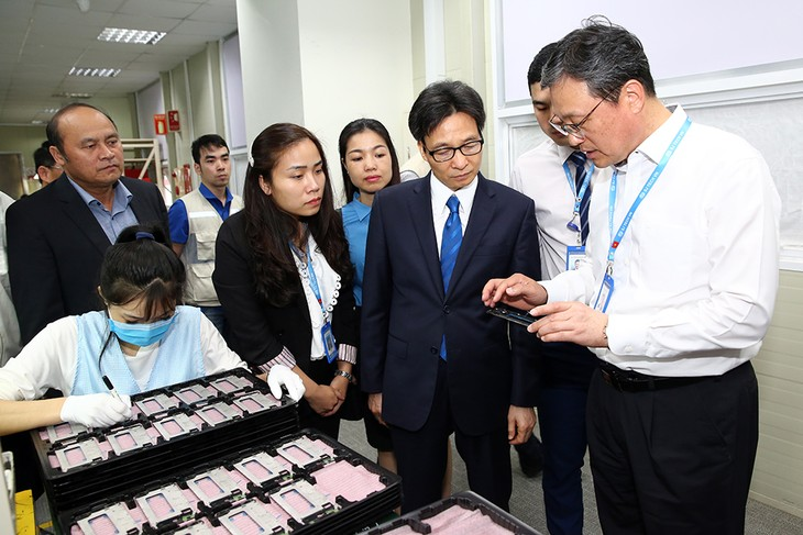 Top Government leaders encourage production, business in new lunar year - ảnh 3