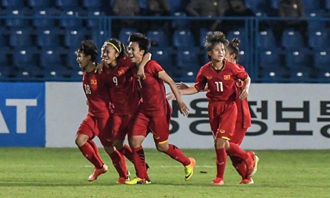 Vietnam's women football tops Southeast Asia - ảnh 1