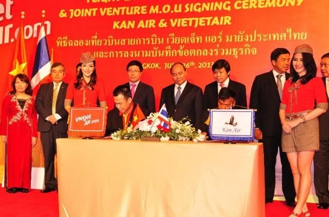 เลขาธิการใหญ่พรรคคอมมิวนิสต์เวียดนามเสร็จสิ้นการเยือนไทยด้วยผลสำเร็จอย่างงดงาม - ảnh 4
