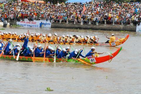 เทศกาลแข่งเรืองอ วัฒนธรรมที่เป็นเอกลักษณ์ของชนเผ่า Khmer ในเวียดนาม - ảnh 1