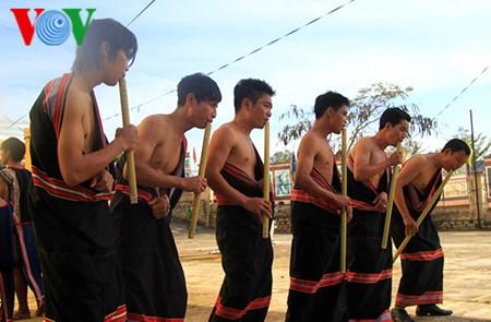 ดิงตู๊ด เครื่องดนตรีพื้นบ้านของชนเผ่าแหยเจียง - ảnh 1