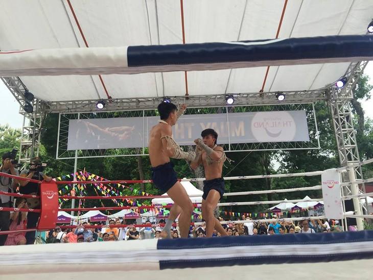 พบปะกับนักมวยไทยชาวเวียดนามที่คว้าแชมป์มวยไทยสมัครเล่นโลก 7 ครั้ง - ảnh 1