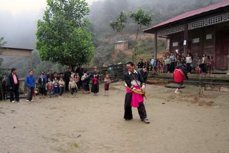 ประเพณีการต้อนรับปีใหม่ของชนเผ่าต่างๆในเวียดนาม - ảnh 1