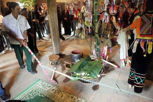 ชนเผ่าลาฮากับงานเทศกาล ฮวามัง - ảnh 1