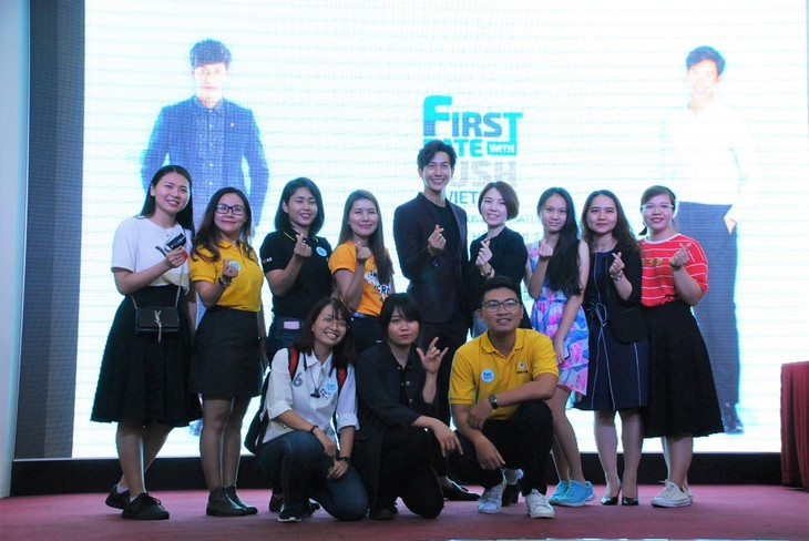 พุฒิชัย เกษตรสิน (DJ Push) กับงานพบปะแฟนคลับเวียดนามเป็นครั้งแรก - ảnh 10