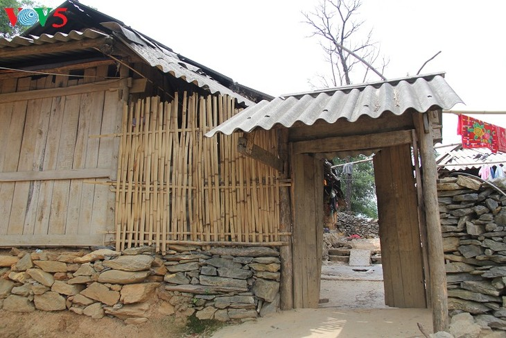 บ้านของชาวม้งในเขตที่ราบสูงหินด่งวัน - ảnh 2