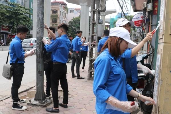 เยาวชนทั่วประเทศเข้าร่วมกิจกรรมอาสาฤดูร้อนปี2018 - ảnh 1