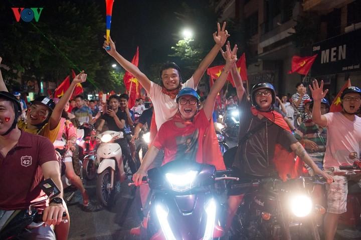 เอเชี่ยนเกมส์ 2018 วันที่27สิงหาคม ฟุตบอลชายเวียดนามและกรีฑาสร้างผลงานครั้งประวัติศาสตร์  - ảnh 3