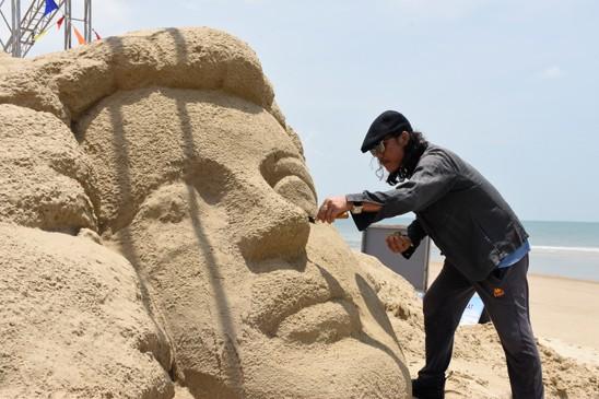 งานเฟสติวัลทะเลหวุงเต่า  ยืนยันเครื่องหมายการค้าแหล่งท่องเที่ยวทางทะเล - ảnh 3