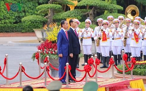 ประธานประเทศ เจิ่นด่ายกวาง เจรจากับประธานาธิบดีอินโดนีเซีย - ảnh 1