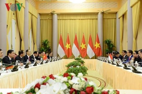 ประธานประเทศ เจิ่นด่ายกวาง เจรจากับประธานาธิบดีอินโดนีเซีย - ảnh 2