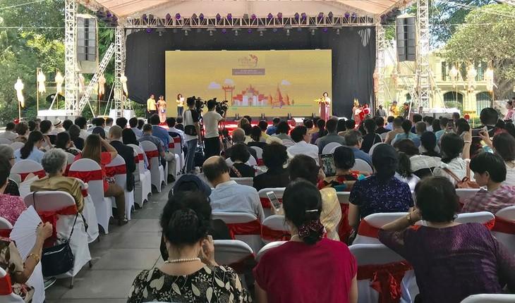"""สีสันงาน"""" 10 th Thai Festival in Hanoi 2018"""" - ảnh 23"""