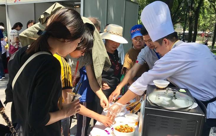 """สีสันงาน"""" 10 th Thai Festival in Hanoi 2018"""" - ảnh 9"""