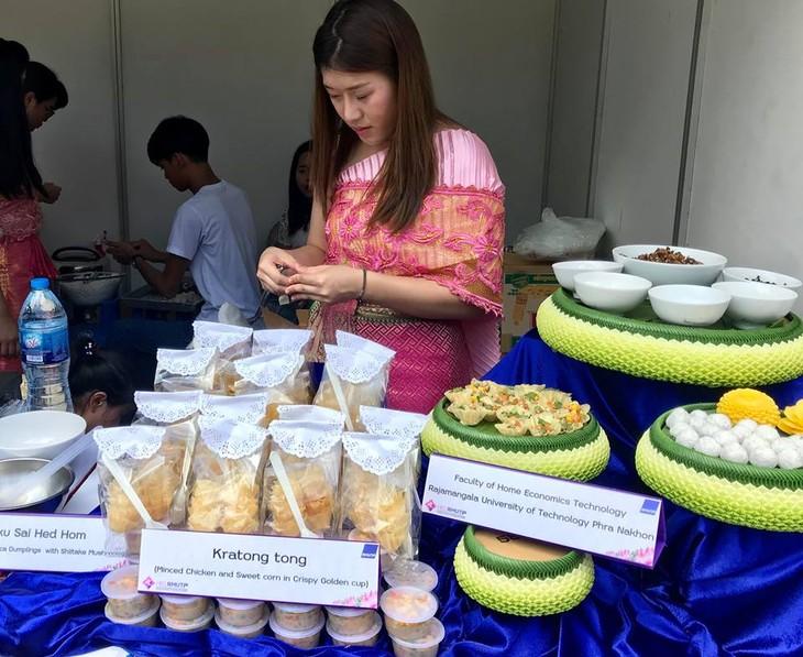 """สีสันงาน"""" 10 th Thai Festival in Hanoi 2018"""" - ảnh 11"""
