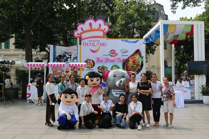 """สีสันงาน"""" 10 th Thai Festival in Hanoi 2018"""" - ảnh 25"""