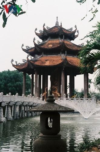 วัดโนม แหล่งอนุรักษ์นิมิตหมายแห่งวัฒนธรรมเวียดนาม - ảnh 2