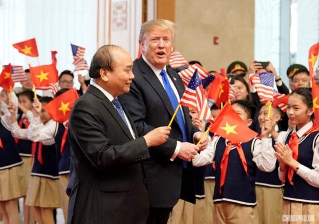 ผู้นำเวียดนามให้การต้อนรับประธานาธิบดีสหรัฐ โดนัลด์ ทรัมป์ - ảnh 7