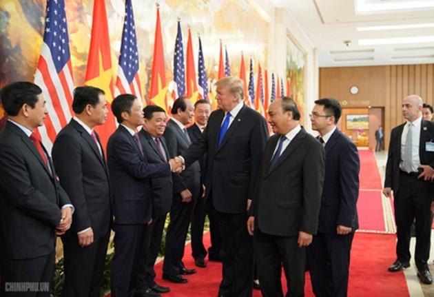 ผู้นำเวียดนามให้การต้อนรับประธานาธิบดีสหรัฐ โดนัลด์ ทรัมป์ - ảnh 8