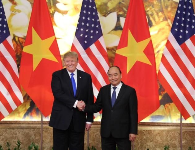 ผู้นำเวียดนามให้การต้อนรับประธานาธิบดีสหรัฐ โดนัลด์ ทรัมป์ - ảnh 9