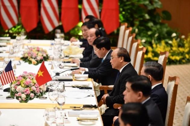 ผู้นำเวียดนามให้การต้อนรับประธานาธิบดีสหรัฐ โดนัลด์ ทรัมป์ - ảnh 11