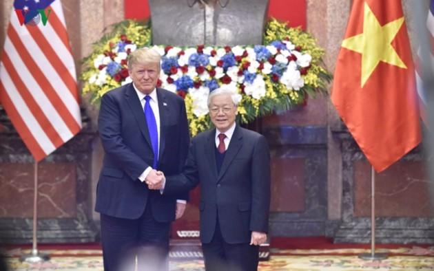 ผู้นำเวียดนามให้การต้อนรับประธานาธิบดีสหรัฐ โดนัลด์ ทรัมป์ - ảnh 1