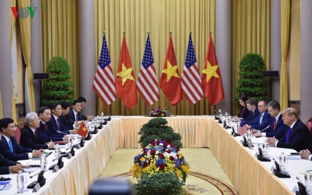 ผู้นำเวียดนามให้การต้อนรับประธานาธิบดีสหรัฐ โดนัลด์ ทรัมป์ - ảnh 2