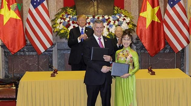 ผู้นำเวียดนามให้การต้อนรับประธานาธิบดีสหรัฐ โดนัลด์ ทรัมป์ - ảnh 5