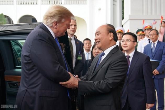 ผู้นำเวียดนามให้การต้อนรับประธานาธิบดีสหรัฐ โดนัลด์ ทรัมป์ - ảnh 6