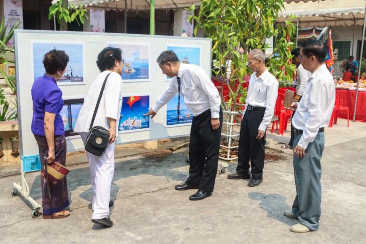 จัดแสดงภาพถ่ายเกี่ยวกับหมู่เกาะเจื่องซาหรือสเปรตลีของเวียดนามที่ประเทศไทย  - ảnh 3