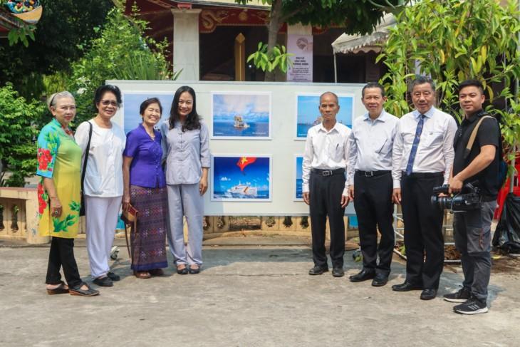 จัดแสดงภาพถ่ายเกี่ยวกับหมู่เกาะเจื่องซาหรือสเปรตลีของเวียดนามที่ประเทศไทย  - ảnh 5