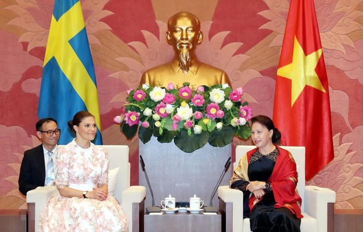 ประธานสภาแห่งชาติให้การต้อนรับเจ้าหญิง วิกตอเรีย อิงกริด อลิซ เดซิเร มกุฎราชกุมารีแห่งสวีเดน - ảnh 1