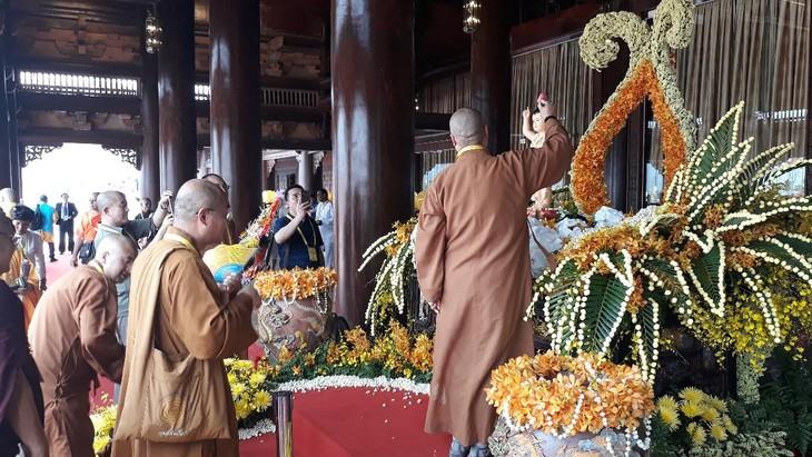 บรรยากาศ ณ ศูนย์วัฒนธรรมพุทธศาสนาตามจุ๊กในงานวิสาขบูชาโลก2019  - ảnh 13