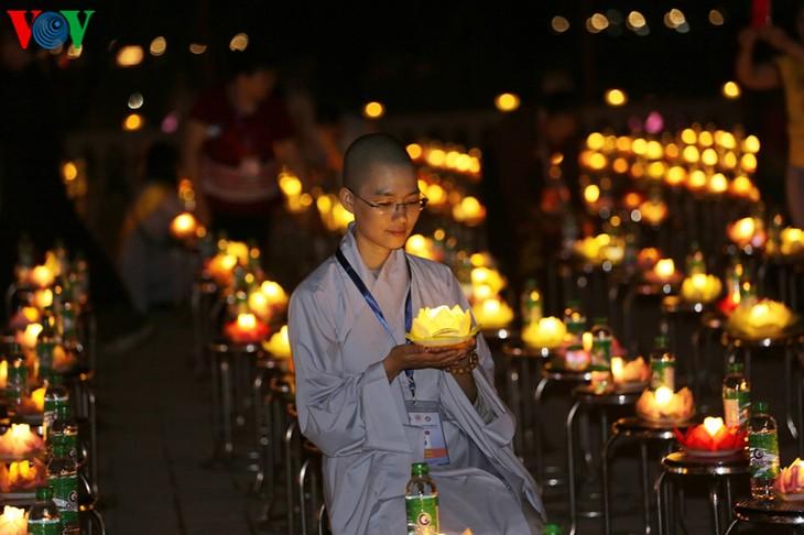 บรรยากาศ ณ ศูนย์วัฒนธรรมพุทธศาสนาตามจุ๊กในงานวิสาขบูชาโลก2019  - ảnh 41