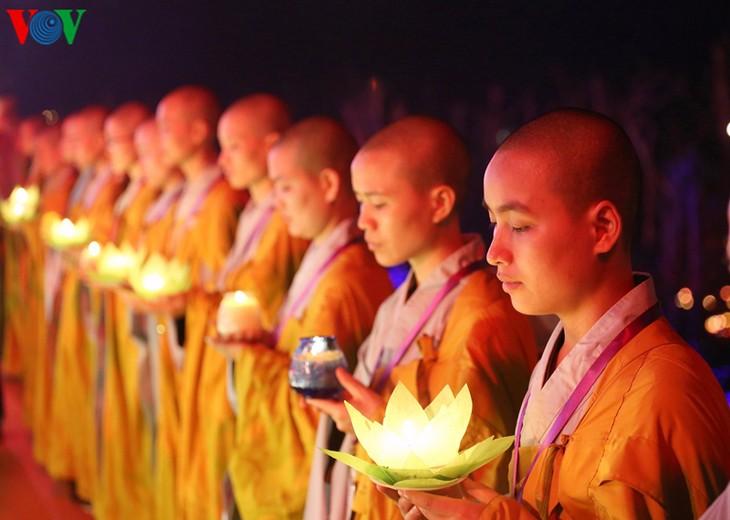 บรรยากาศ ณ ศูนย์วัฒนธรรมพุทธศาสนาตามจุ๊กในงานวิสาขบูชาโลก2019  - ảnh 38