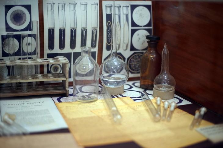พิพิธภัณฑ์อเล็กซานเดอร์ เยอร์ซิน เมืองญาจาง - ảnh 6