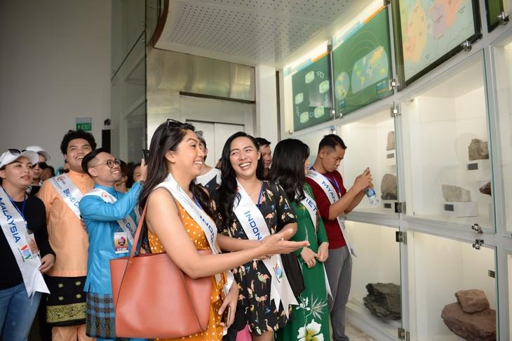 กิจกรรมของนักร้องจากประเทศอาเซียน ณ จังหวัดกว๋างนิงห์ - ảnh 8