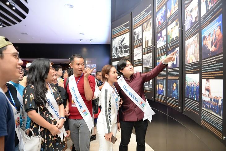 กิจกรรมของนักร้องจากประเทศอาเซียน ณ จังหวัดกว๋างนิงห์ - ảnh 14