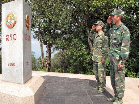 Border guards welcome spring in westernmost region - ảnh 2